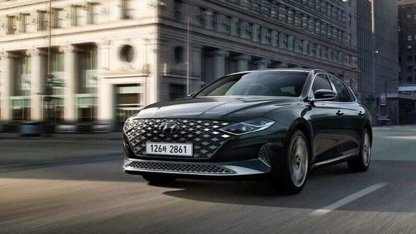 Hyundai Grandeur offers a luxurious cabin which is mated by attractive looks, plethora of tech features and a capable drive,