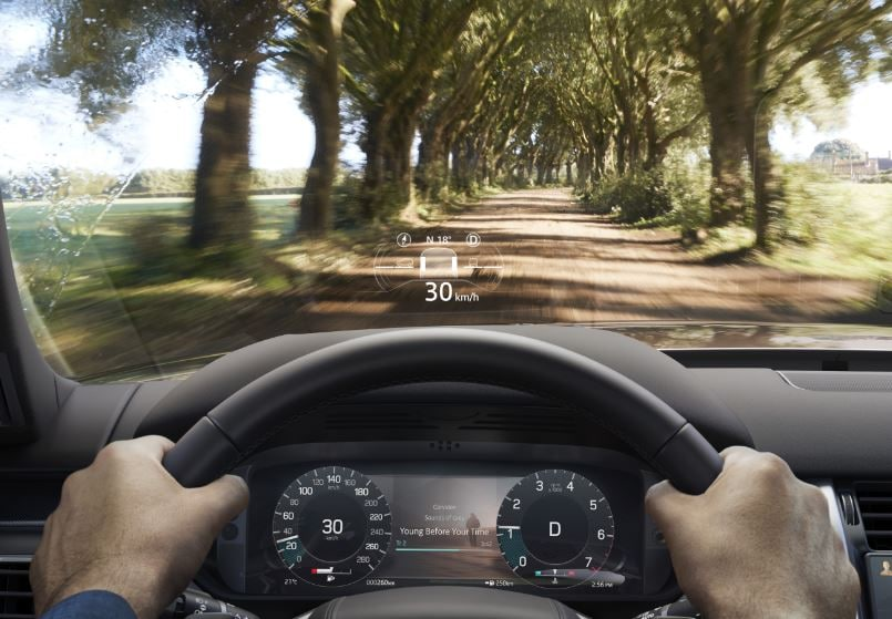 There is also a 12.3-inch interactive Driver Display which also provides HD 3D mapping. A Head-Up Display (HUD) can be chosen as an optional while support for AppleCarPlay and Android Auto comes standard. Compatible phones may also be charged without wires.