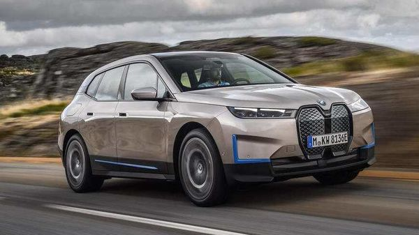 BMW iX electric SUV will come out as the company's new technology flagship.