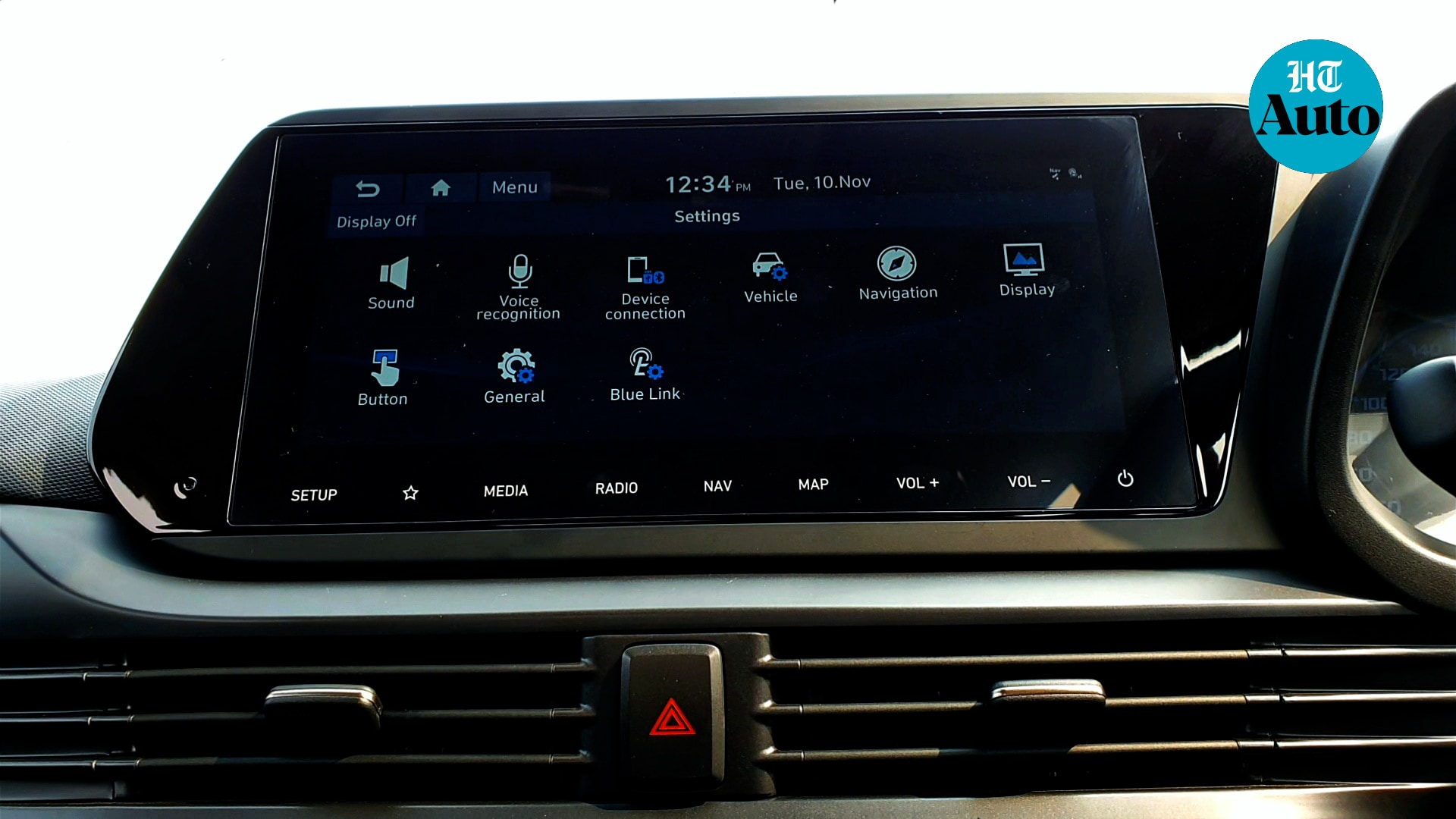 The cabin of the new 2020 i20 gets a 10.25-inch infotainment and a large Digital Cluster with TFT MID that puts out information in a bold and vibrant manner. The company's BlueLink technology makes its debut in the i20 which allows interaction through smartphones and voice commands. Map updates will be over-the-air. (HT Photo/Sabyasachi Dasgupta)