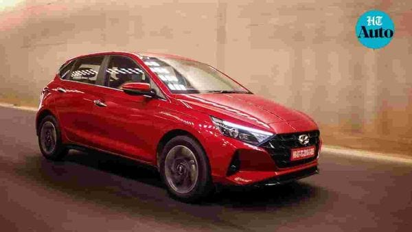 Hyundai's 2020 i20 has been officially launched in the Indian market at an introductory starting price of <span class='webrupee'>₹</span>6.79 lakh (ex showroom, All-India). The premium hatchback poses a challenge in a market full of sub-compact and compact SUVs. (HT Photo/Sabyasachi Dasgupta)