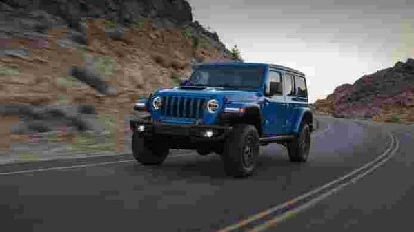 Fiat Chrysler has finally taken the covers off the production version of the new Jeep Wrangler Rubicon 392. It is almost the same as the 392 Concept showcased a few months ago except a few changes.