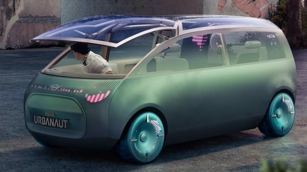 The MINI Vision Urbanaut concept car offers unique interior space and versatility.