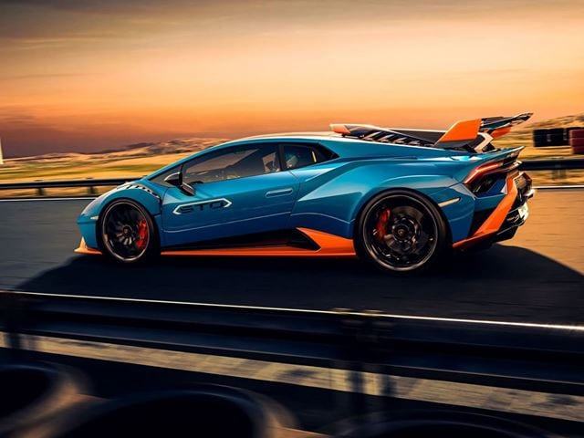 Thanks to the V10 aspirated engine with 630 hp and 565 Nm Torque, the Huracan STO can reach 100kmph in three seconds and 200kmph in nine. Brake duties are handled by a Brembo CCM-R carbon-ceramic which has been extracted from F1 race cars for added levels of stopping capabilities.