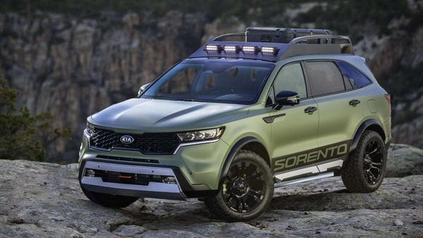 Kia Motors has unveiled two new rugged X-Line Sorento models.