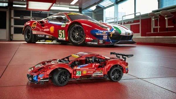 LEGO Ferrari 488 GTE (below)