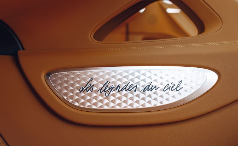 The Les Legendes du Ciel logo can also be found on the headrests. The car also optionally offers a glass roof Sky View to gaze into the sky.