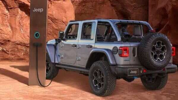 Photo of Jeep Wrangler rechargeable courtesy Twitter/@Jeep