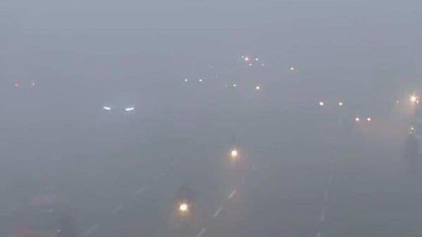 Delhi and NCR woke up to a foggy Monday (December 7) morning. (Photo courtesy: ANI)