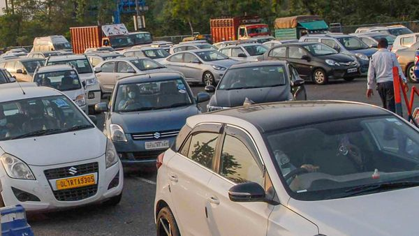 Delhi government cited Centre's SOP for clearance of pending challans for fitness certificate to vehicles. (PTI)