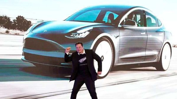 FILE PHOTO: Tesla Inc CEO Elon Musk dances onstage during a delivery event for Tesla China-made Model 3 cars in Shanghai, China January 7, 2020. REUTERS/Aly Song/File Photo (REUTERS)