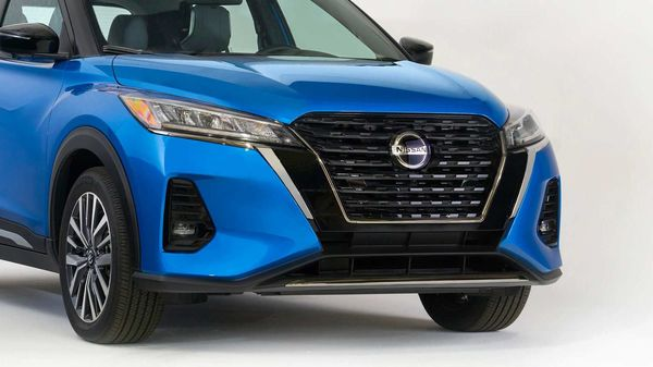 The facelift SUV features a new Double V-motion front grille, bumper, LED headlights and LED fog lights, along with a new rear bumper, LED taillights, and new wheel designs.