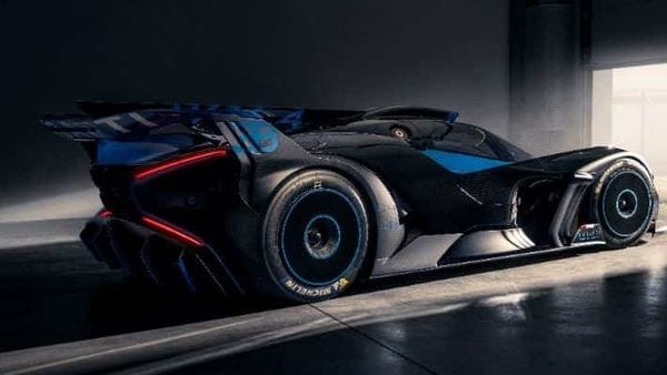The ultra hyper sports car has a thunderous 1,825 horsepower from its turbocharged 8.0-litre W16 engine and 1,850 Nm of torque,