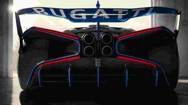 The hyper sports car weighs just 1,240 kilos. In fact, its power-to-weight ratio makes it reportedly have the same kind of downforce as those in F1 cars.