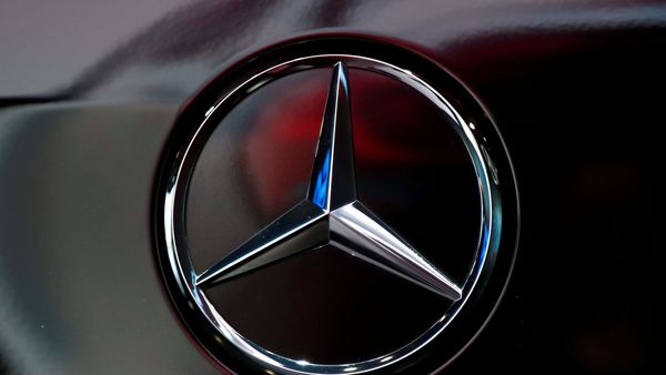 The logo of German car manufacturer Mercedes-Benz is seen at Brussels Motor Show, Belgium January 9, 2020. REUTERS/Francois Lenoir