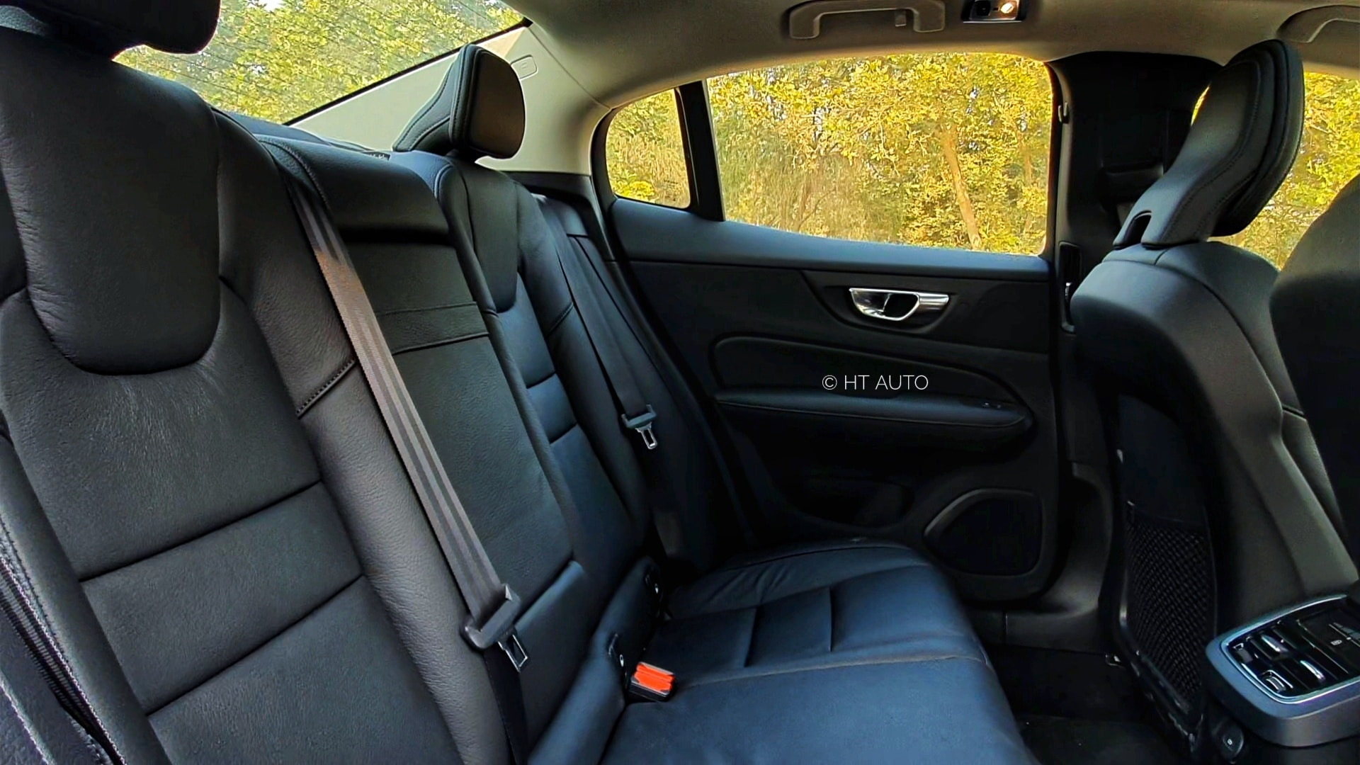 The rear seats offer generous amounts of knee-room, under-thigh support and head room while the cushioning and back recline angle are decent.