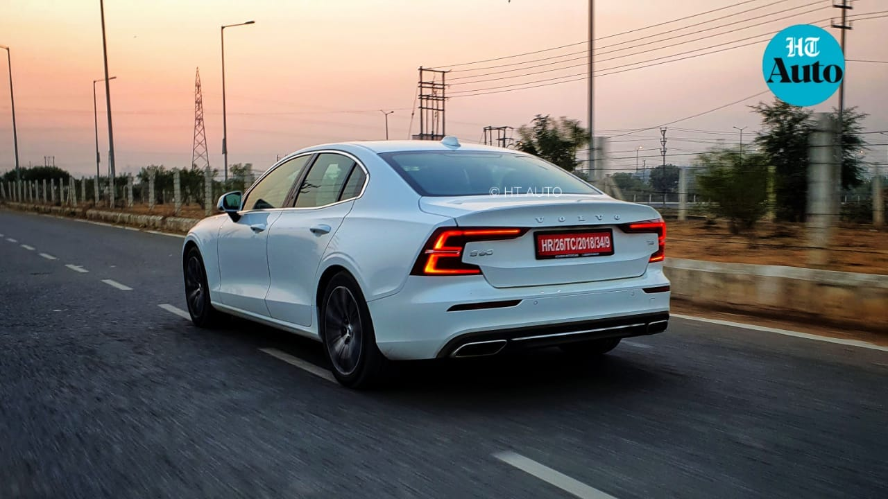 The C-shaped LED tail lights on the new S60 looks particularly eye-catchy during dawn and dusk. (HT Auto/Sabyasachi Dasgupta)