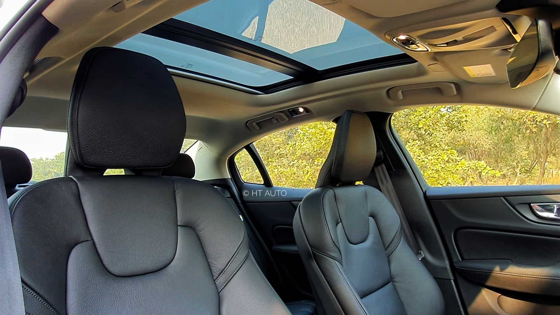 The front seats also come with lumber support adjustments, memory function and the under-thigh support can be extended. There is also a large panoramic sunroof in the sedan.