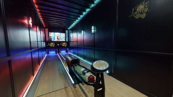 Bowling alley in a mobile trailer. (Pic courtesy: Luxury Strike Bowling)