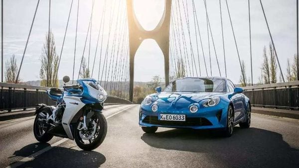 Superveloce Alpine was introduced under the collaboration between MV Agusta and Alpine.