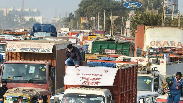 Commission for Air Quality Management in NCR and Adjoining Areas areas on Tuesday announced that commercial vehicles without RFID tags will not be allowed to enter the city from January 1. (File photo) (PTI)