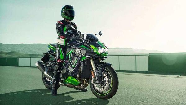 Kawasaki ZH2SE variant costs ₹25.90 lakh (ex-showroom).
