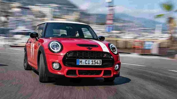 MINI India has officially launched its three-door hatch called MINI Paddy Hopkirk Edition at <span class='webrupee'>₹</span>41.70 lakh (ex showroom) in the country. Only 15 units of the car have been brought to the country as a Completely Built-Up Unit (CBU).