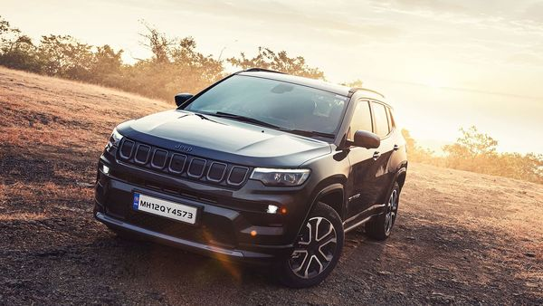 Jeep Compass sports a sportier front and has a whole lot of changes on the inside. The engine options, however, remain the same.