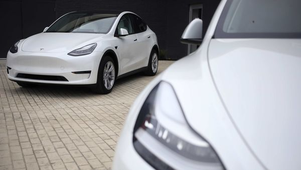 Representational file image of Tesla Model S electric vehicles for sale outside a dealership in Ohio, US. (Bloomberg)