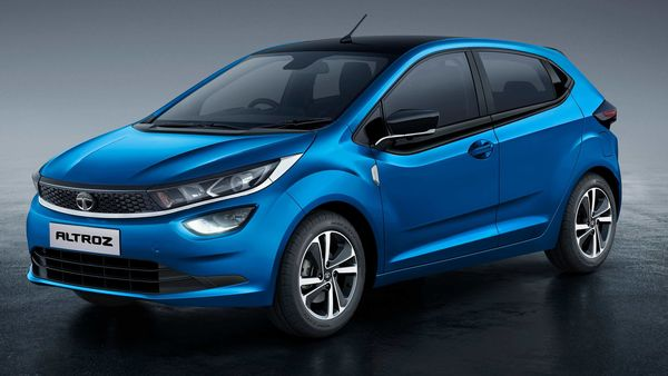 Tata Altroz iTurbo-Petrol rivals the likes of Hyundai i20 Turbo.
