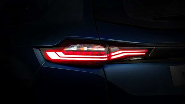 The new tail lights of the upcoming Tata Safari SUV. (Photo courtesy: Twitter/@TataMotors_Cars)