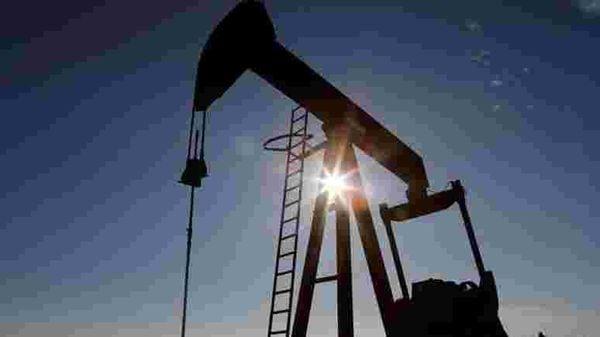 File image: Crude oil pump jack (REUTERS)