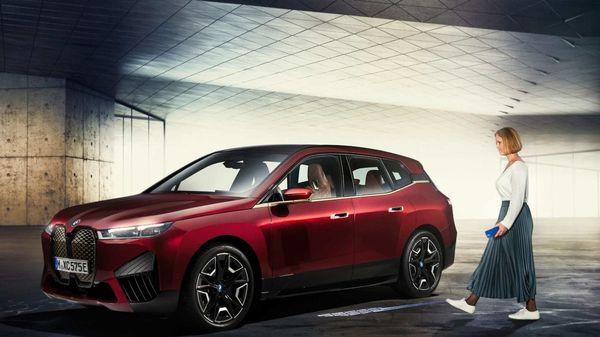BMW's Digital Key Plus feature