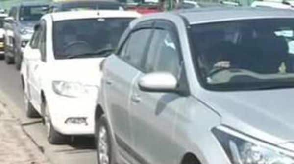 Delhi Traffic Police launches awareness drive on rear-view mirrors. (File photo) (ANI)