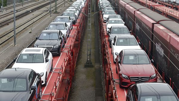 New Mercedes-Benz automobiles are transported on railway wagons near the Mercedes-Benz AG reopened assembly line, operated by Daimler AG, in Sindelfingen, Germany, on Thursday, April 30, 2020. Daimler AG said sales and operating profit slumped in the first quarter as the maker of Mercedes-Benz luxury cars was laid low by the coronavirus. Photographer: Michaela Handrek-Rehle/Bloomberg (Bloomberg)