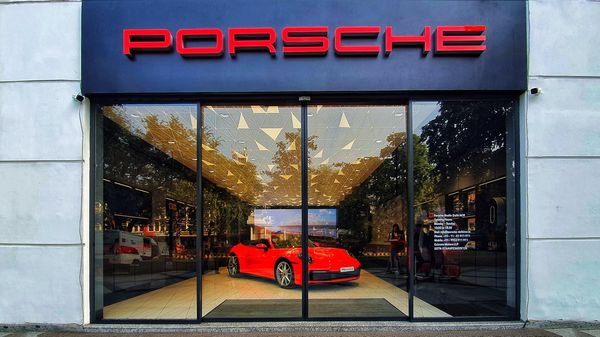 The Porsche showroom in Delhi's Connaught Place, which has stood there for some years now, has been transformed into a new kind of car buying experience. (Sabyasachi Dasguptga/HT Auto)