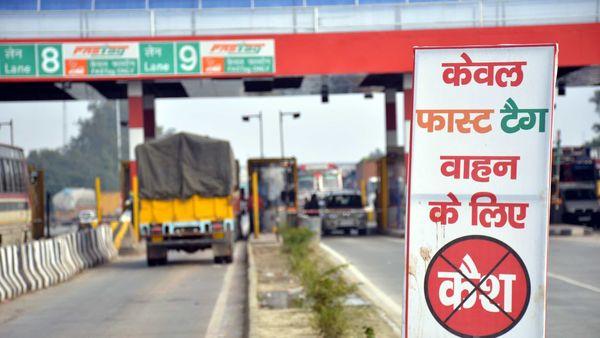 NHAI will earn ₹1.34 lakh crore as toll revenue annually by 2025, said Union Minister Nitin Gadkari. (File photo) (HT_PRINT)