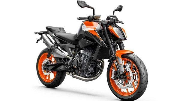 The new 890 Duke gets an updated WP Apex front suspension.