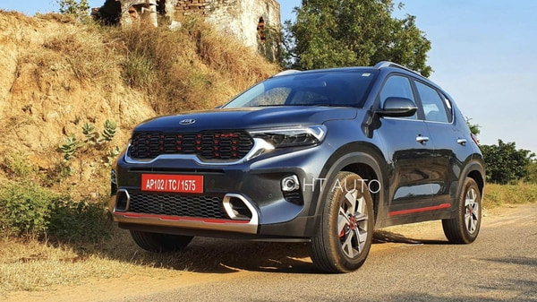 Kia Sonet is one of the most selling SUVs in the sub-4 meter category. (Photo credit: Sabyasachi Dasgupta)