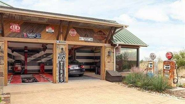 The auto-themed property in Texas (realtor.com)