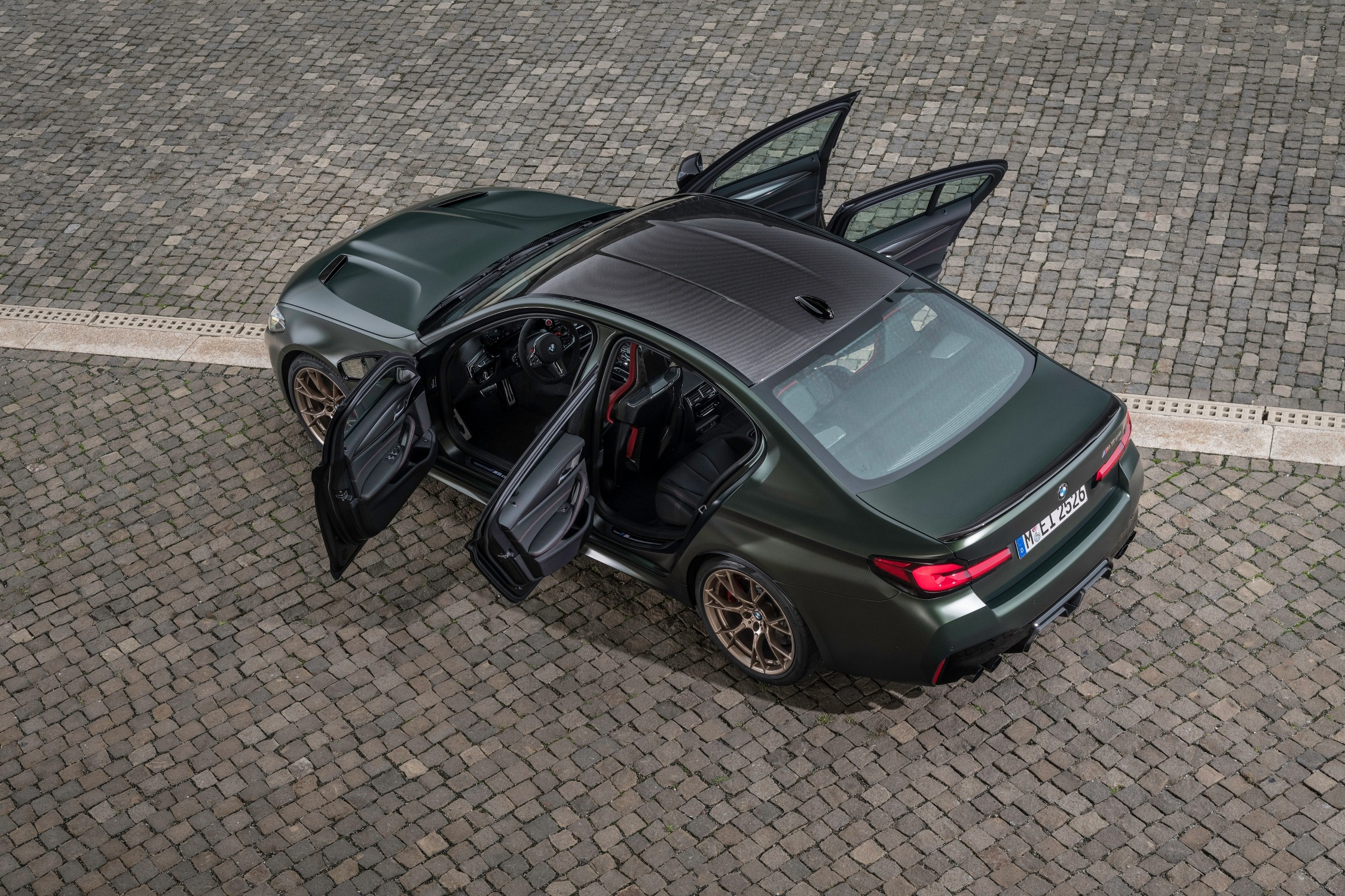 The new BMW M5 CS will be offered only in the 2022 model, with a limited edition for 1 year.