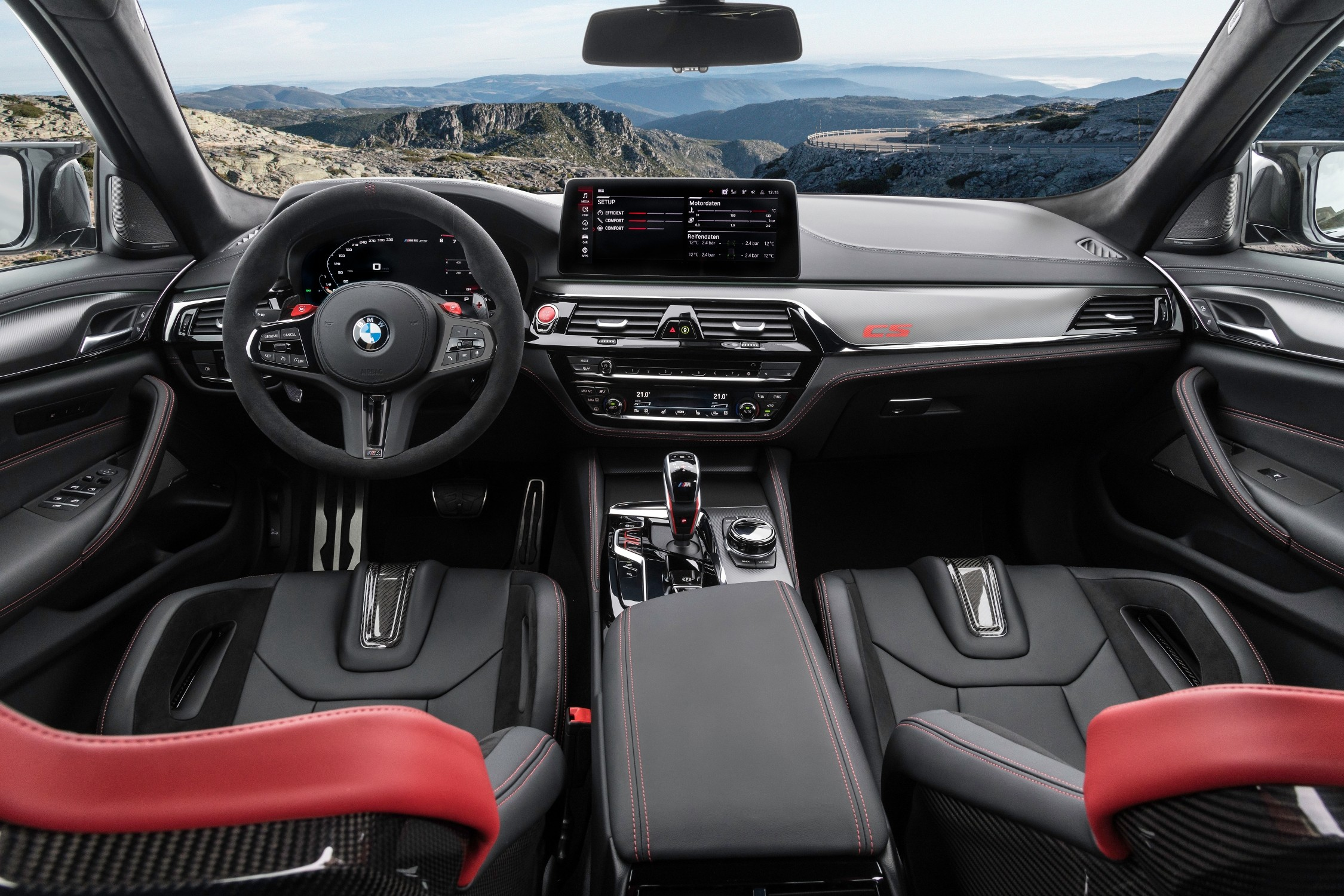 The M5 CS has beautiful black carbon fibre M seats with red stitching. All seats have the Nurburgring design, where M5 CS prototypes have been seen several times.