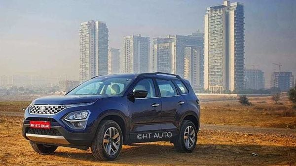 Under the hood, the SUV gets the familiar 2.0-liter, 4-cylinder diesel engine which delivers 170 PS and 350 Nm of peak torque. The transmission options include the 6-speed manual and 6-speed torque converter automatic gearbox.(Image: Sabyasachi Dasgupta/ HT Auto)