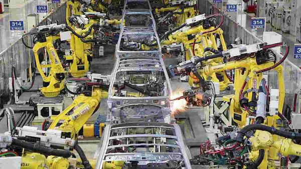 Carmakers feel custom duty hike on auto parts will increase vehicle prices. (HT_PRINT)