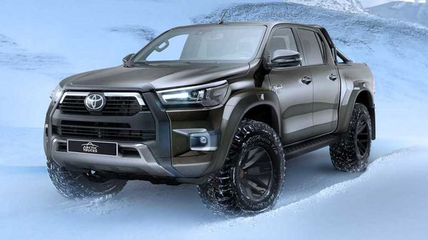 2021 Toyota Hilux AT35 has received a higher ground clearance which is up by 65 mm.