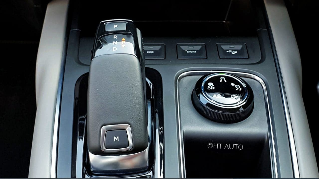 The center console panel is solidly built and has storage space for wireless phone charging, keys, wallet and even houses buttons for Eco and Sport mode selection, apart from terrain modes and traction control dial. (Photo: Sabyasachi Dasgupta/HT Auto)
