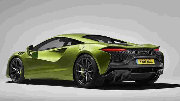 Rear profile of the McLaren Artura