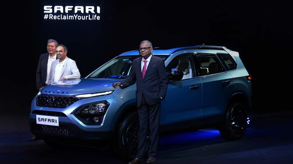 The Safari Adventure Persona is differentiated from the regular trims with its distinctive exterior colour theme and blacked-out alloy wheels.