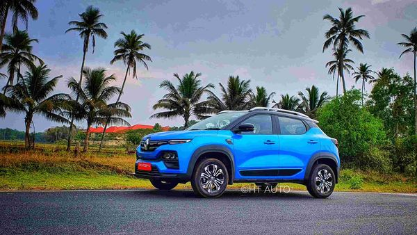 Renault Kiger gets 205 mm of ground clearance that makes it a capable SUV on most of the Indian road conditions. It runs on 16-inch alloy wheels. (HT Auto/Sabyasachi Dasgupta)