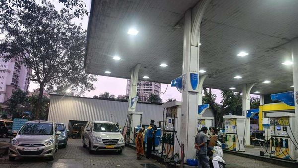 Earlier, the highest fuel prices in recent times were witnessed in 2018, when one litre of petrol had reached ₹91.34 per litre and that of diesel had crossed ₹80. (HT File) (HT_PRINT)
